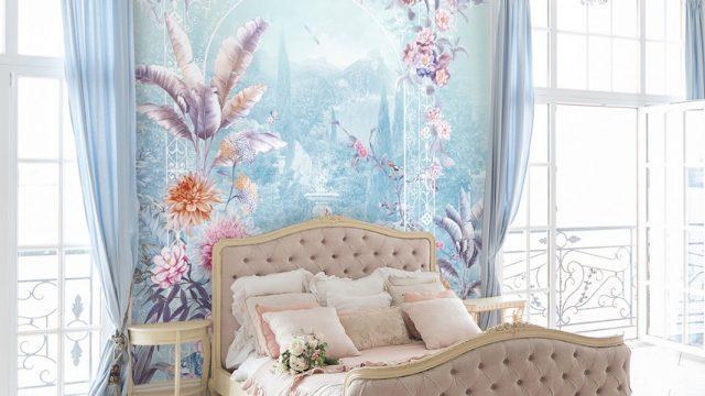 แต่งบ้านสวยด้วยวอลเปเปอร์ติดผนัง ลายสวนดอกไม้สีพาสเทล ติดผนังห้องนอน